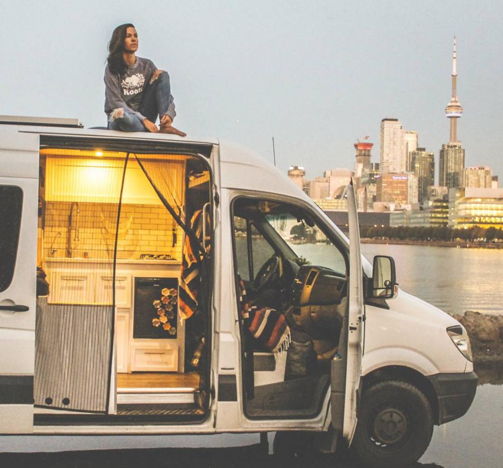 Eamon & Bec - Convert a van in 30 days