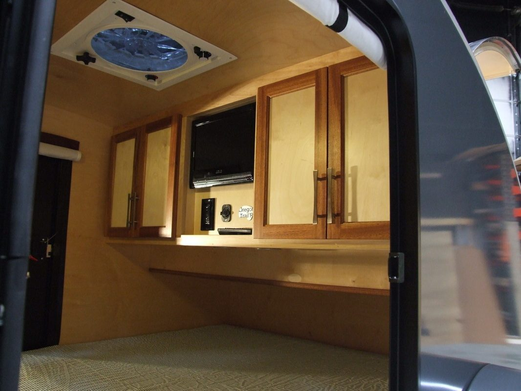 Teardrop Camper - TV