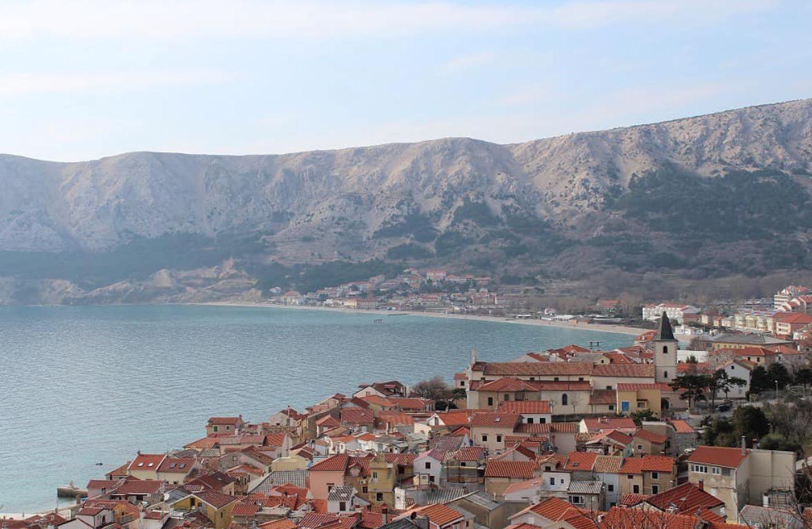 Van Life Croatia - Town