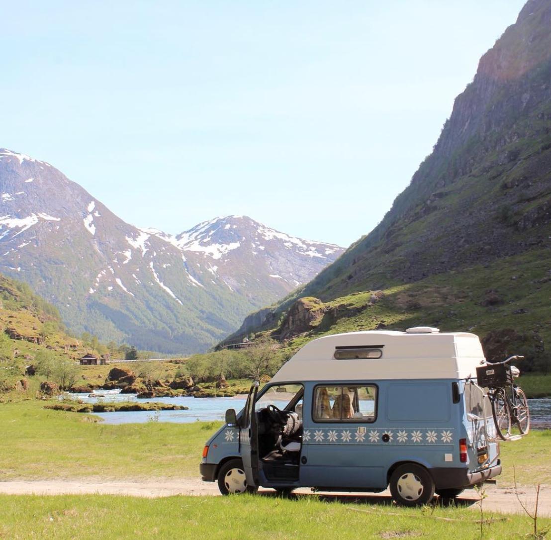 Van Life Scandinavia - Van Lake