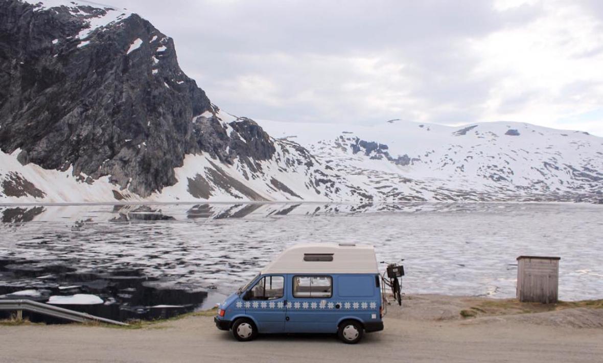 Van Life Scandinavia - Van Snow