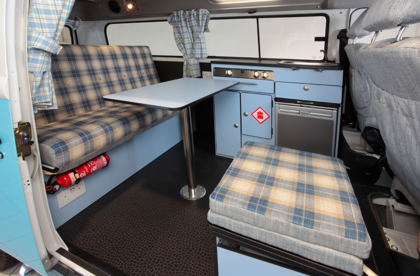 Volkswagen Bus Camper - Kitchen