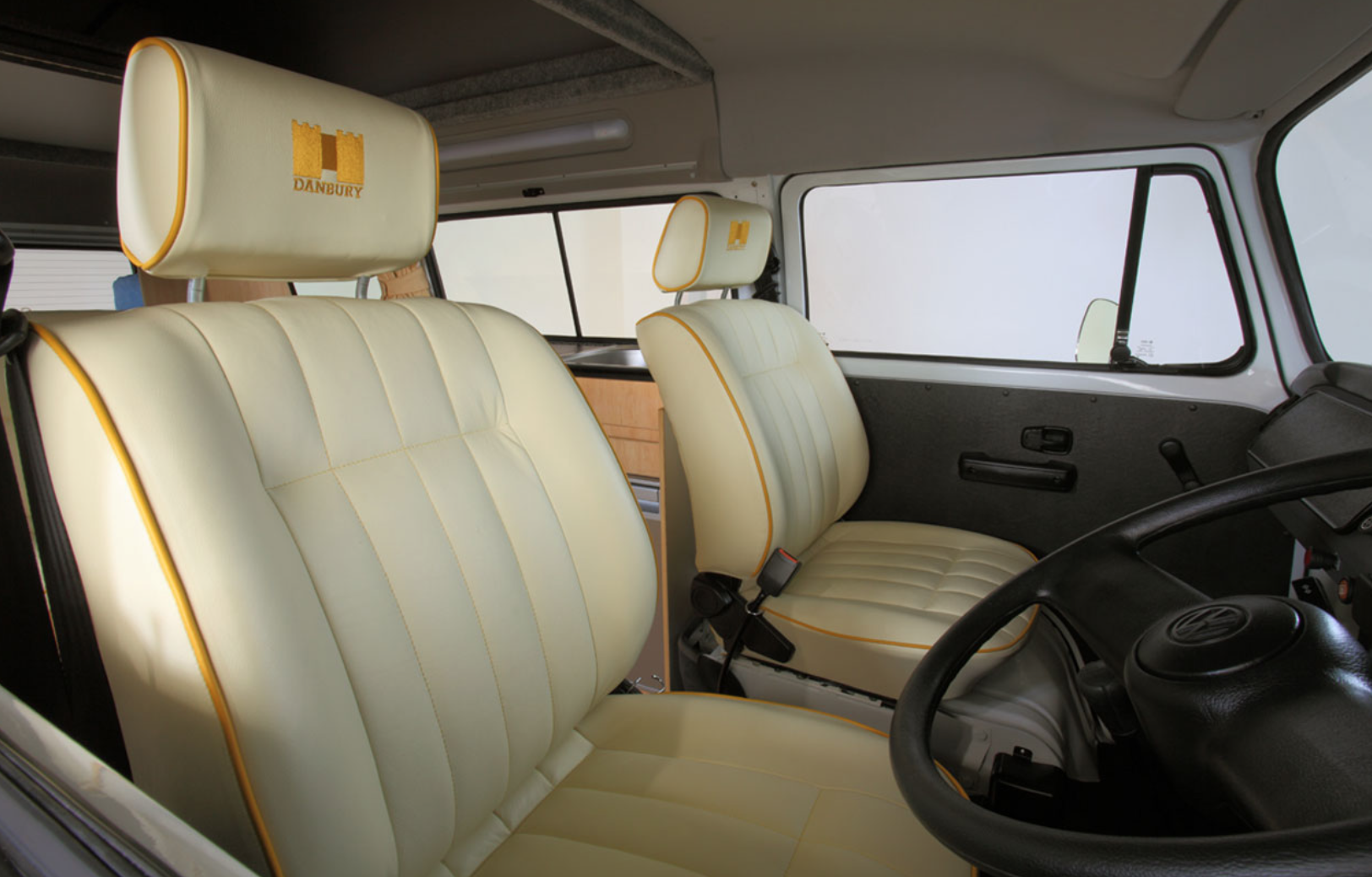 Volkswagen Bus Camper - Drivers Cab