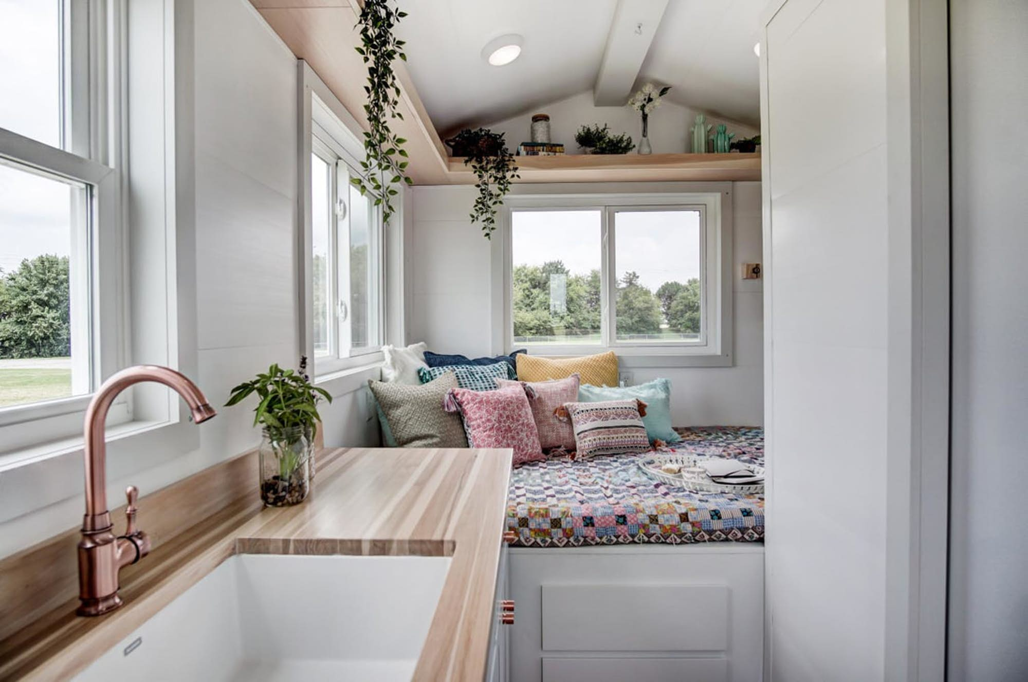 Top Tiny Homes - Inside The Nugget