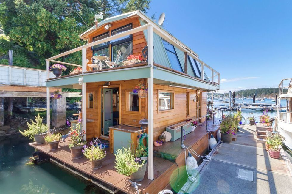 Top Tiny Homes - The Floating Home
