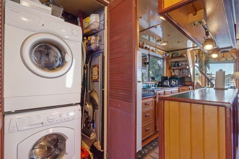 Top Tiny Homes - The Floating Home Kitchen