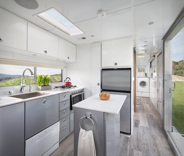 Tiny House - living vehicle kitchen