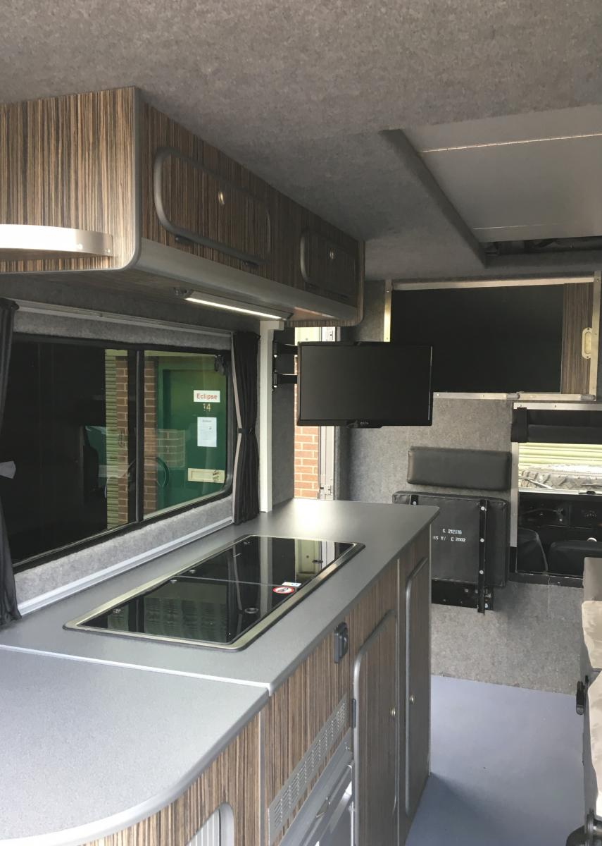 Land rover camper - kitchen