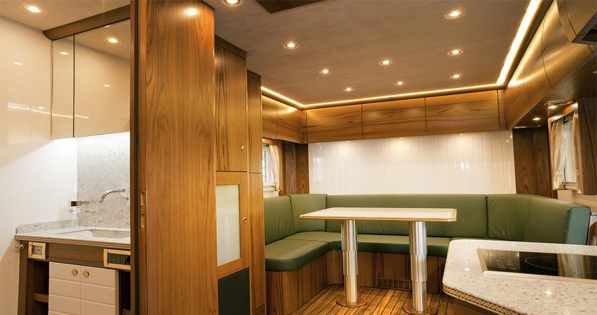 Mercedes Camper - living room