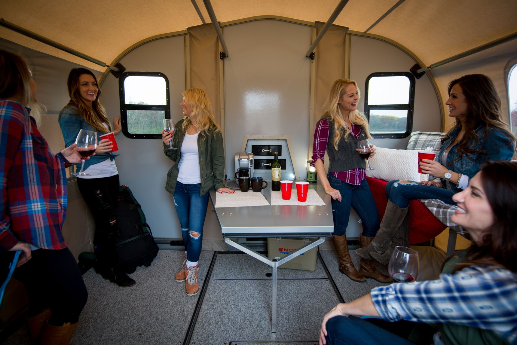 travel trailer - party