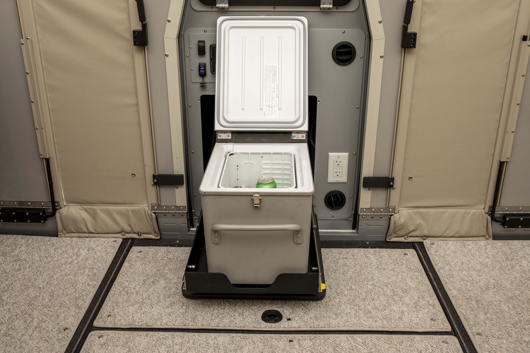 travel trailer - toilet