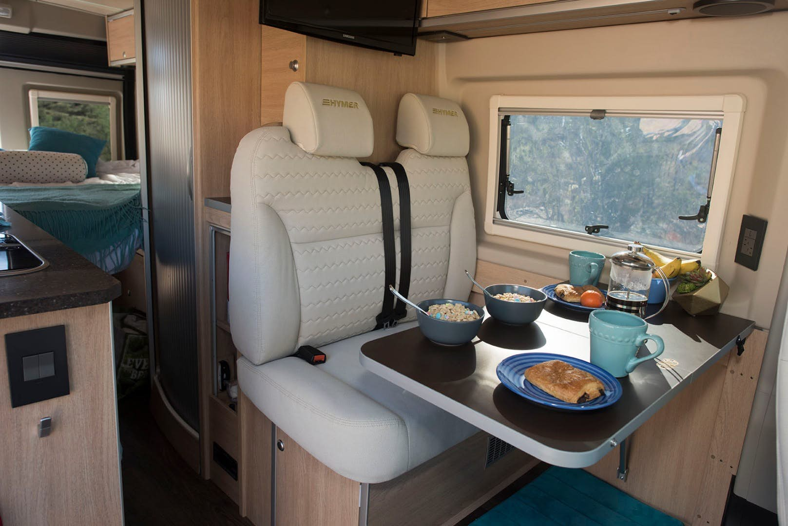 pop top camper - seating