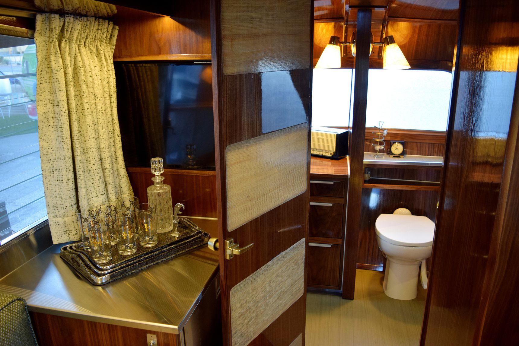 vintage camper - washroom