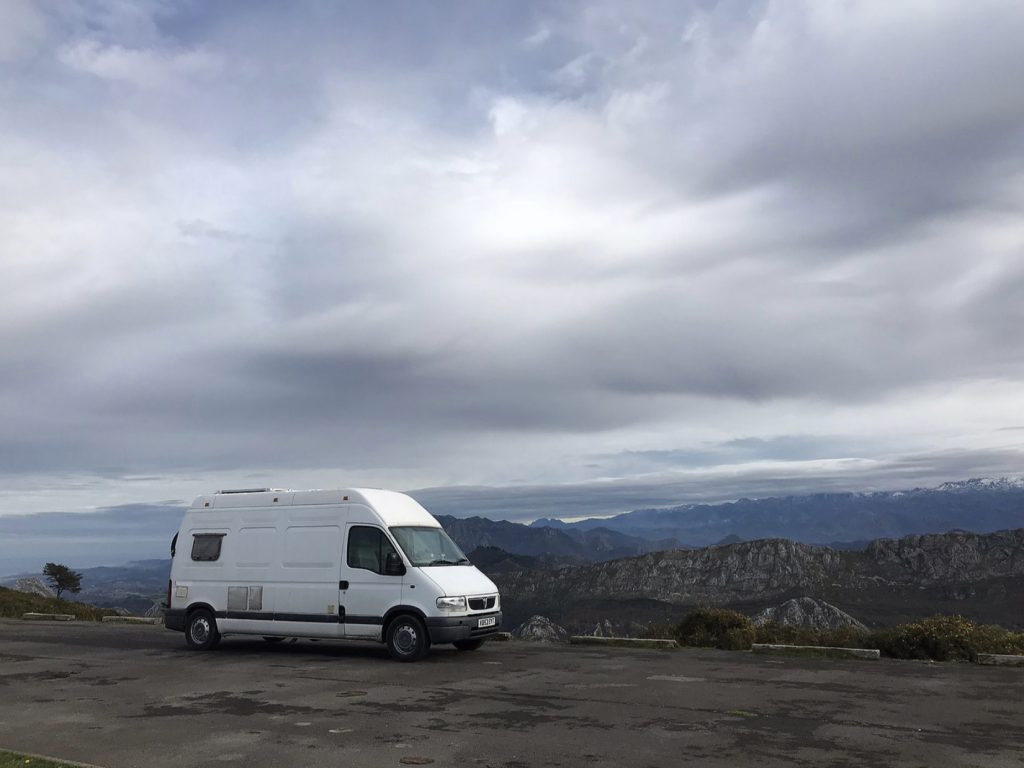 Vanlife Blogs - Vincent Vanlife