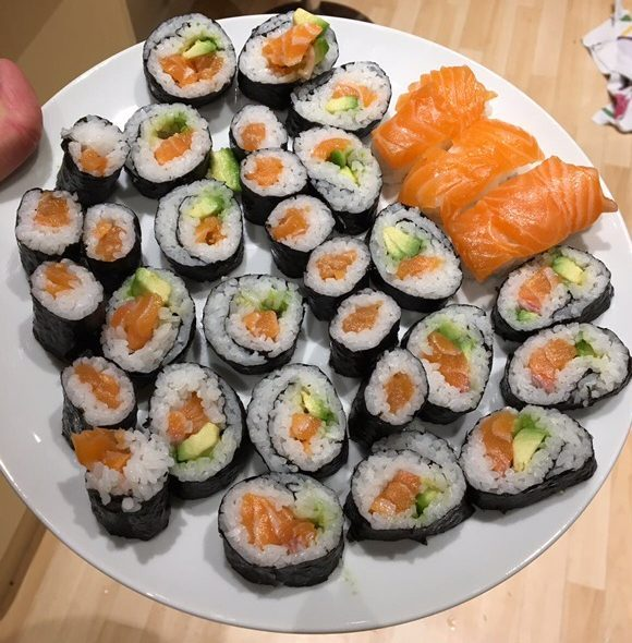vanlife recipes - sushi