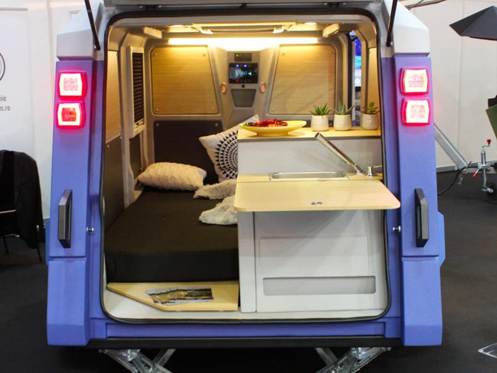 off road camper trailer - rear