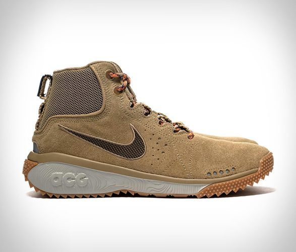 nike hiking shoe - feature