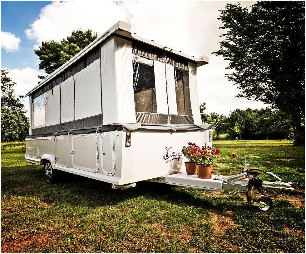 pop up trailer - outside