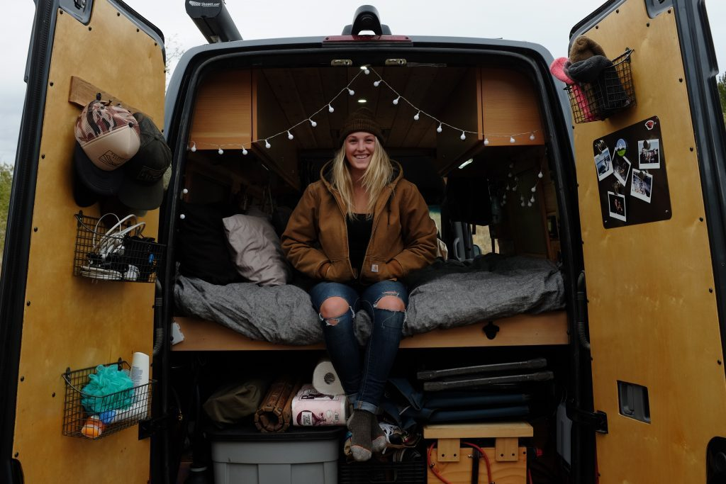 female traveller - van