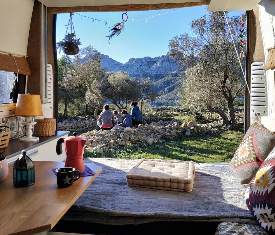 van life influencers - nomad