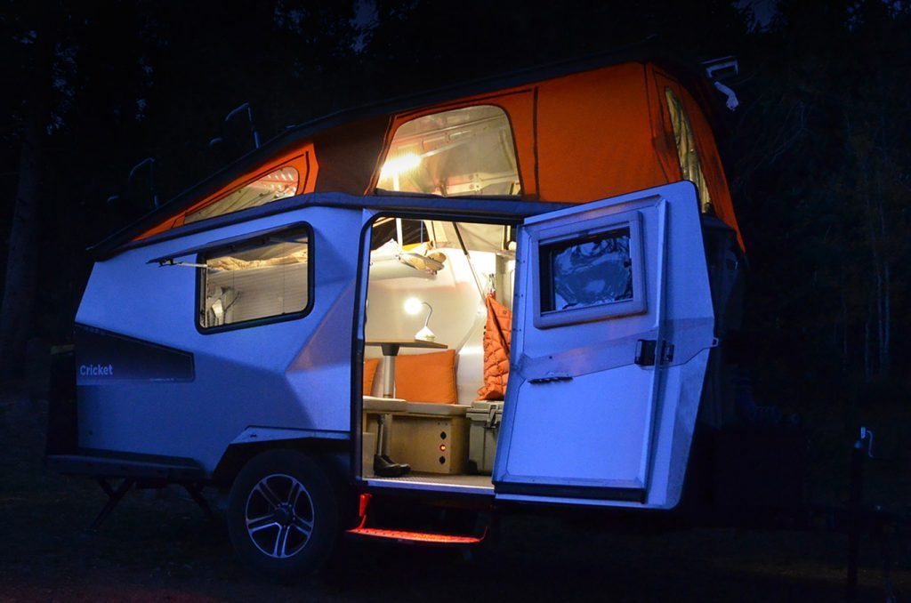 cricket camper - lights