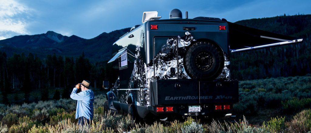 $500,000 Earthroamer Camper Is A Luxury Hotel On Wheels
