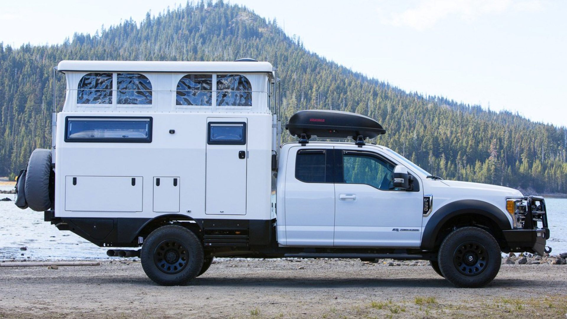 The $100'000 EarthCruiser Truck Camper Is A Digtal Nomads Dream!