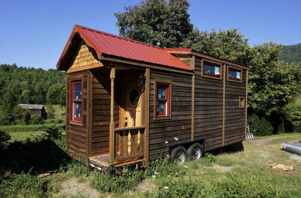 Exterior of a tiny house. tiny house youtube.