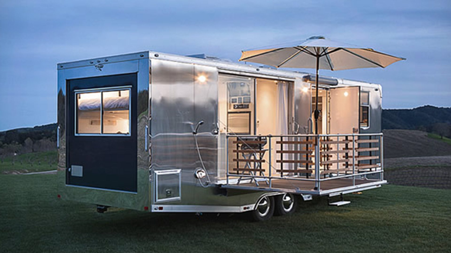 living-vehicle-trailer-exterior