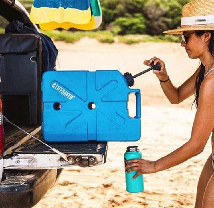 Waterfilter on back of van