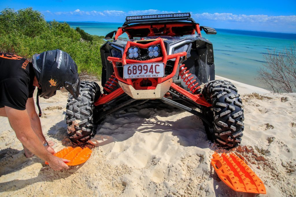 MaxTrax Mini under a Dune Buggy