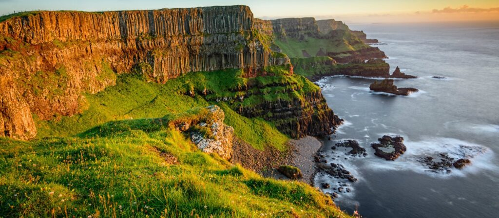 Places to visit in UK  - Giants Causeway