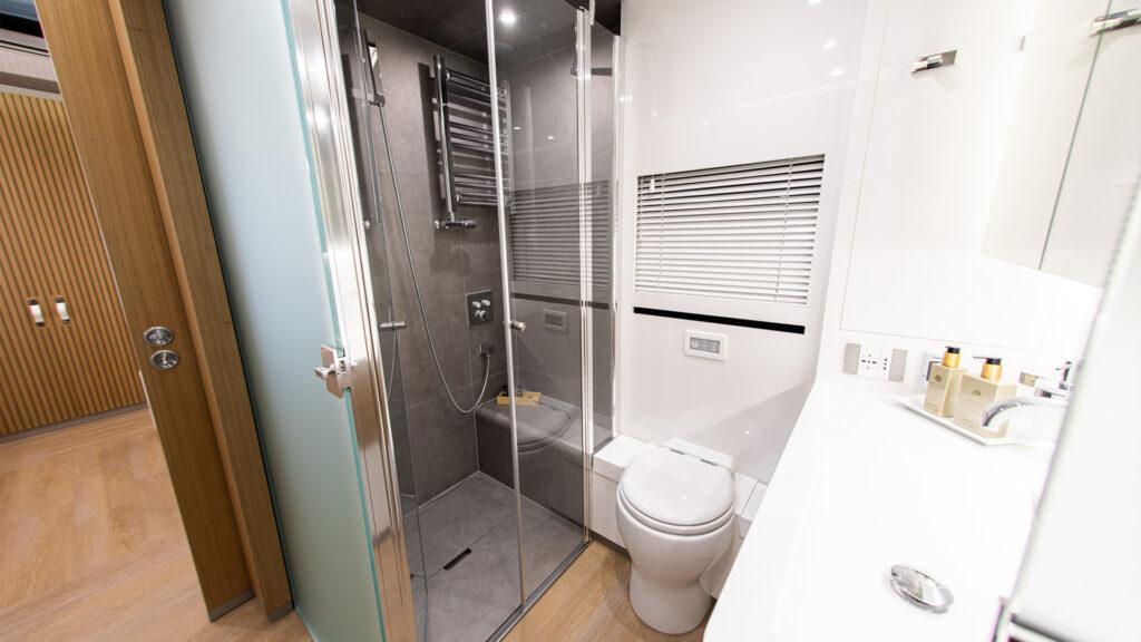 A look at the luxurious bathroom.
