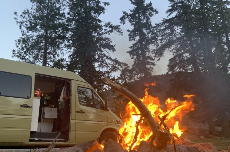 Dry van near a campfire, without condensation